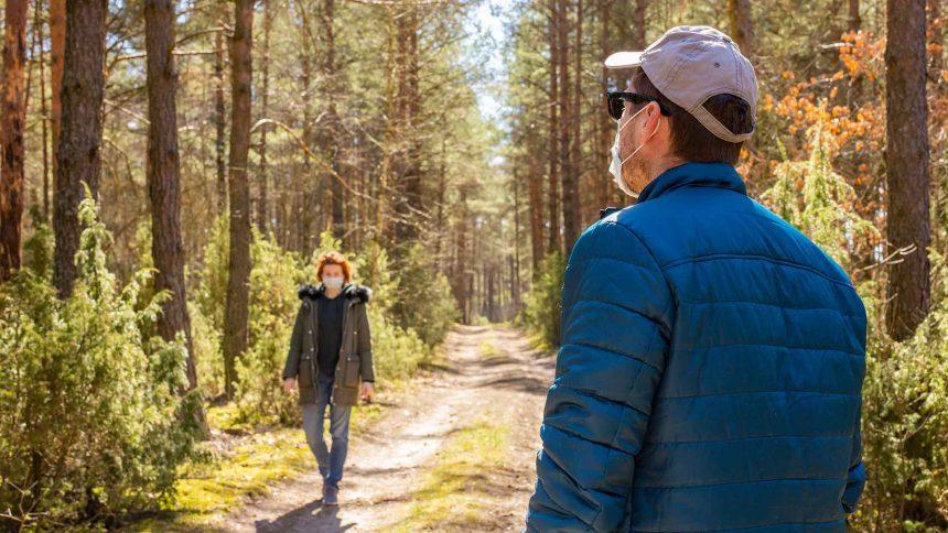 personas-bosque