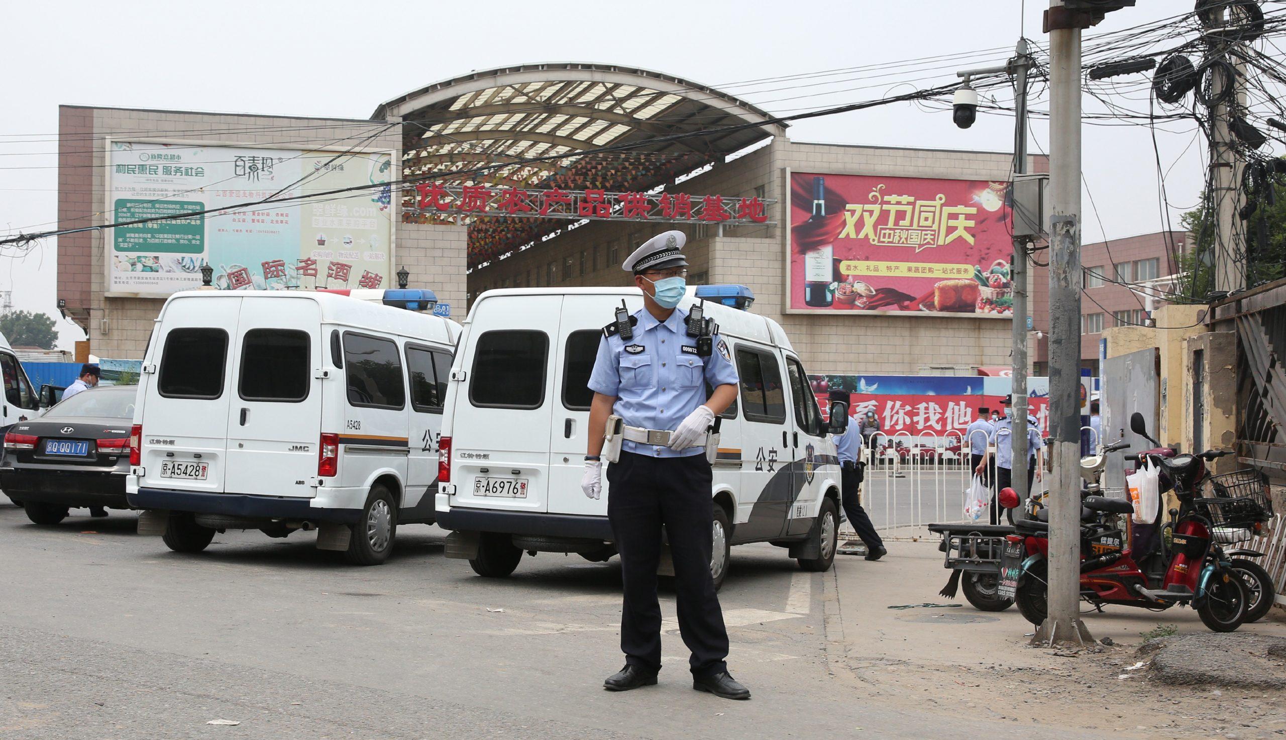 China confirma 'rebrote' de coronavirus y ordena nuevo confinamiento en Beijing