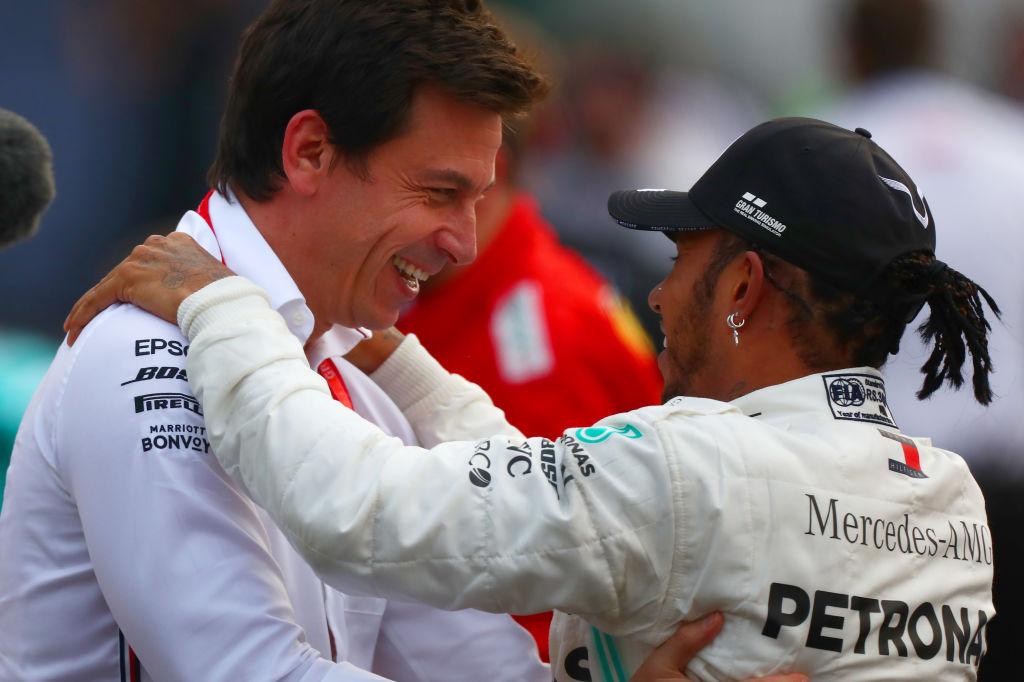 Mercedes le hace ojitos a Vettel por si acaso