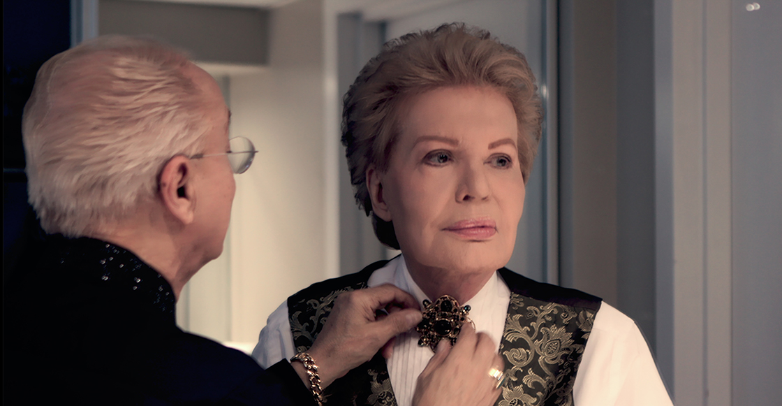 Salen las primeras imágenes del documental 'Mucho mucho amor' sobre Walter Mercado de Netflix