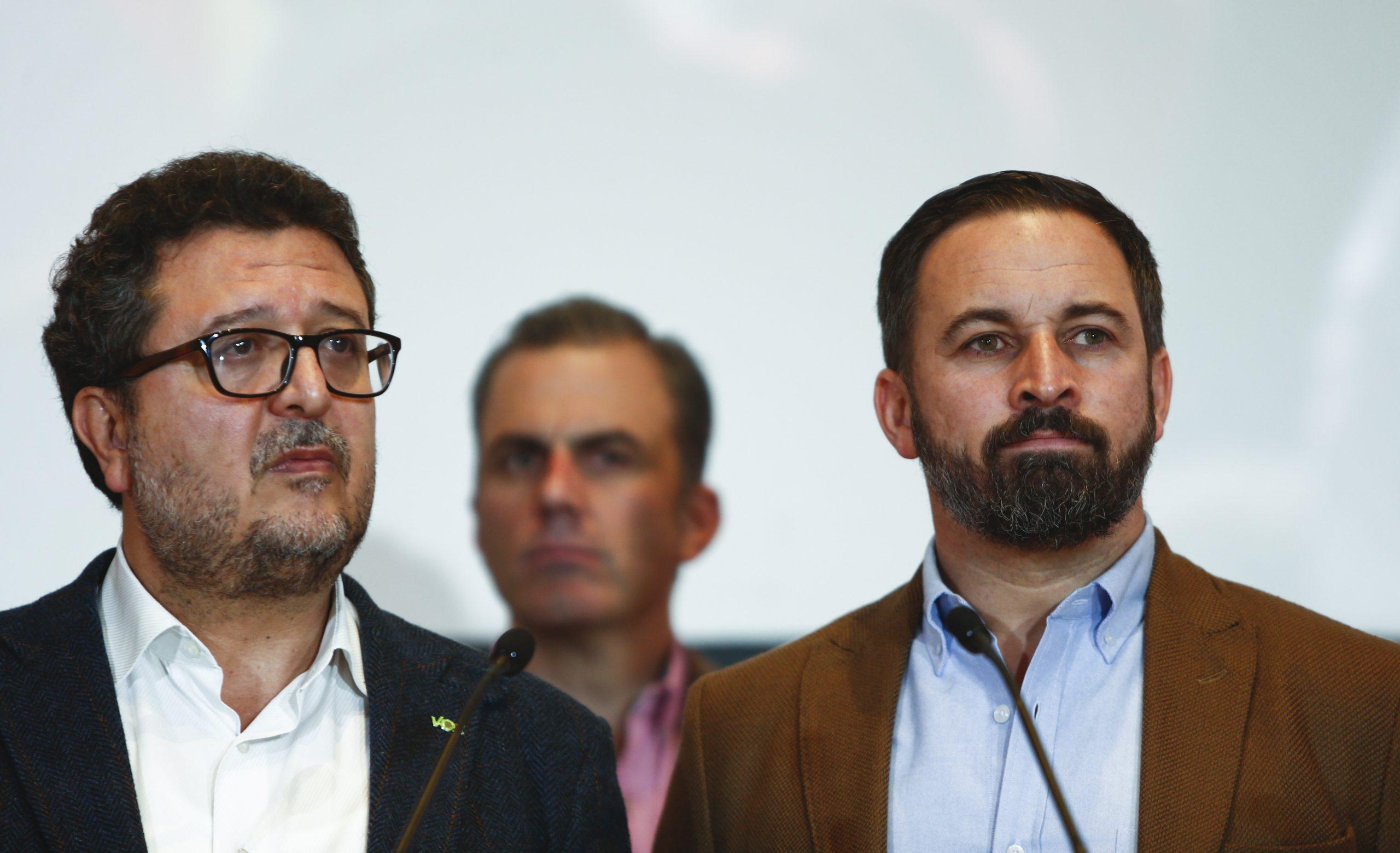 Francisco Serrano y Santiago Abascal de Vox.
