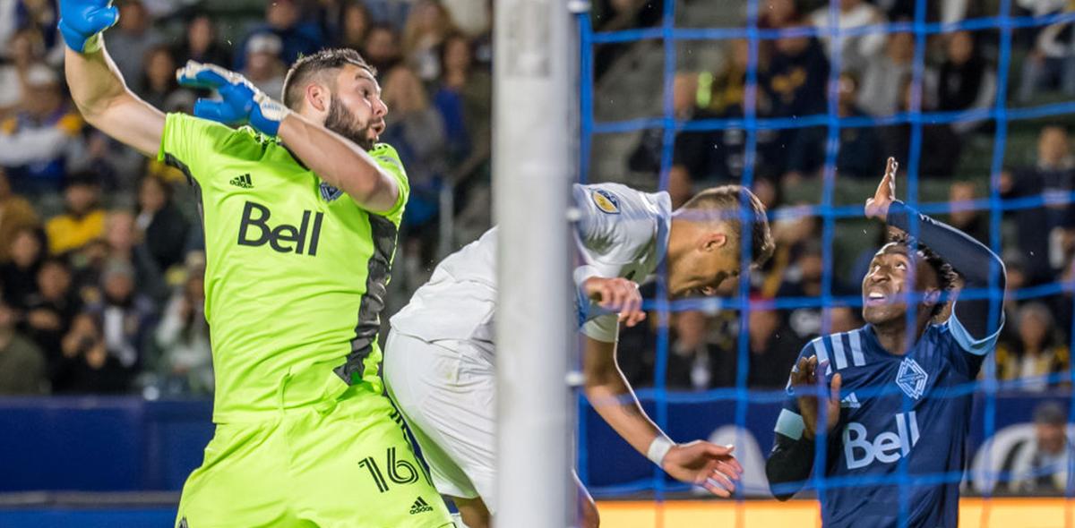 'Chicharito' y su último gol en un partido oficial