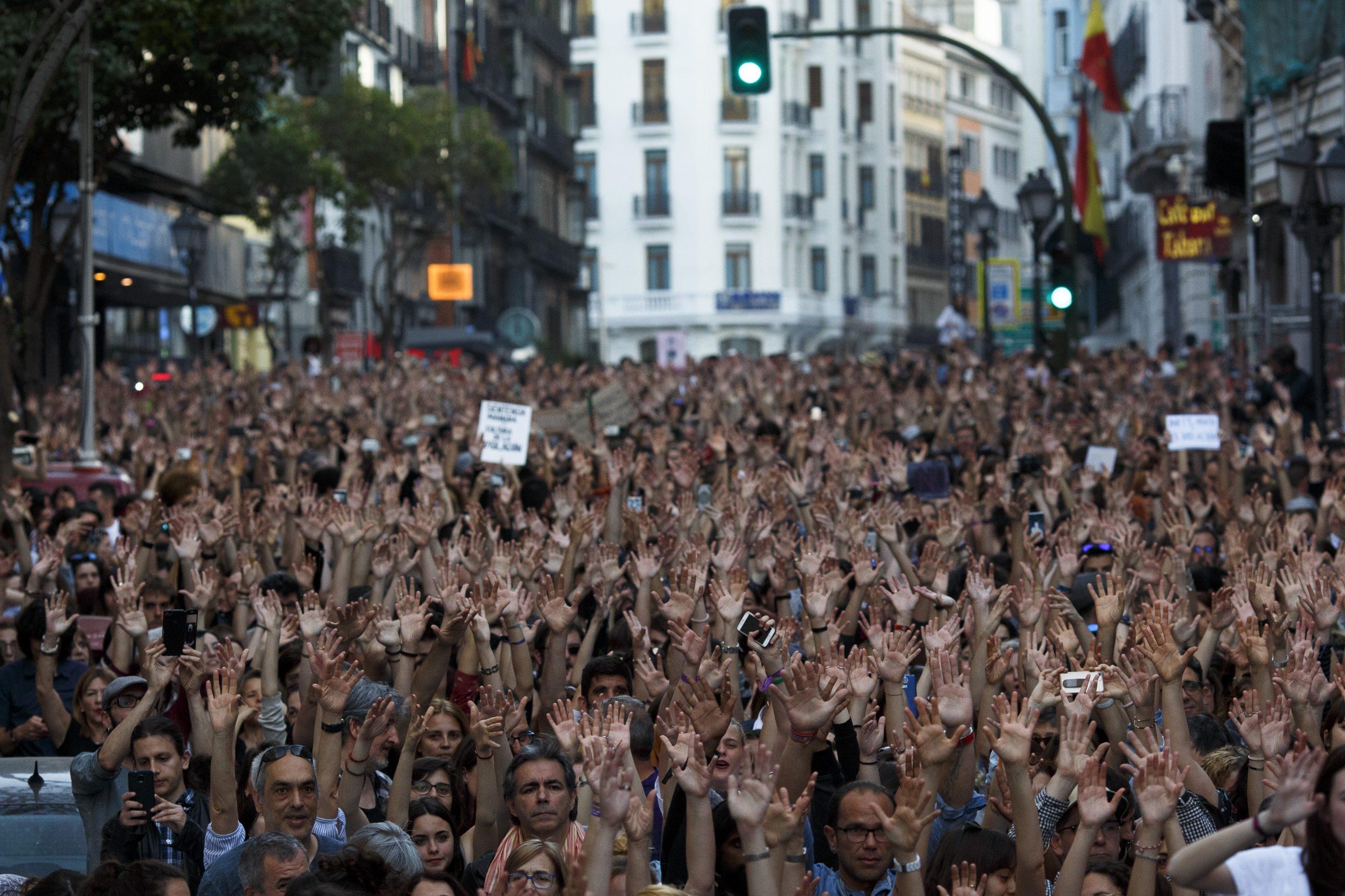 Manifestantes apoyo víctima de La Manada