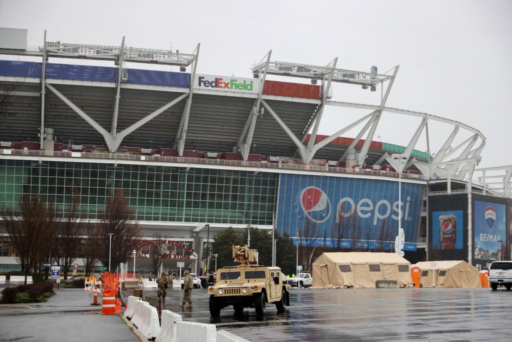 Inversionistas presionan para que los Washington Redskins cambien de nombre a través de Nike, Pepsico…