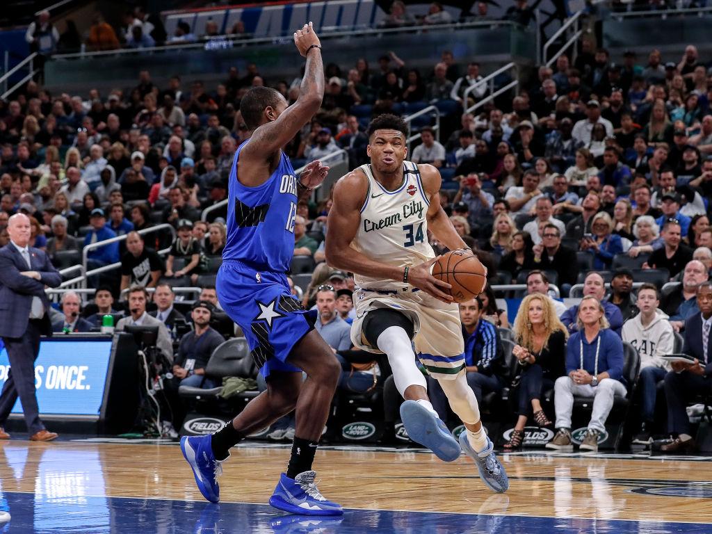 NBA: La otra pretemporada de los Lakers y Bucks