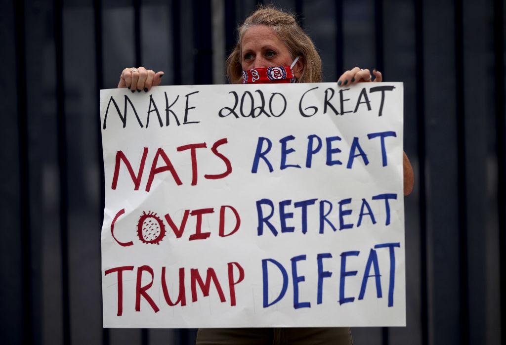 Tormenta en Washington, aficionados de cartón y protestas: Lo que dejó el Opening Day de la MLB