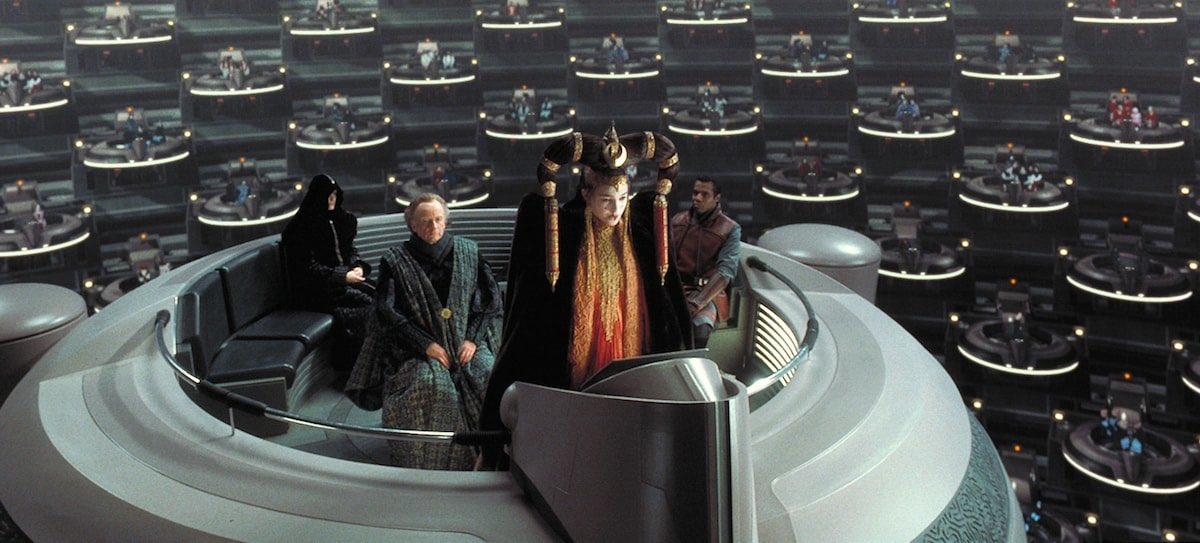 Oma Cinema: El futuro del cine es igualito al Senado Galáctico de Star Wars