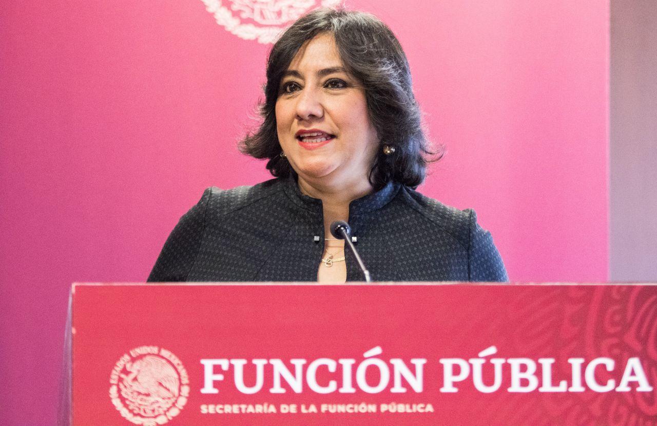 Acusan al hermano de Irma Eréndira Sandoval, titular de la SFP, de usar programas sociales en su favor
