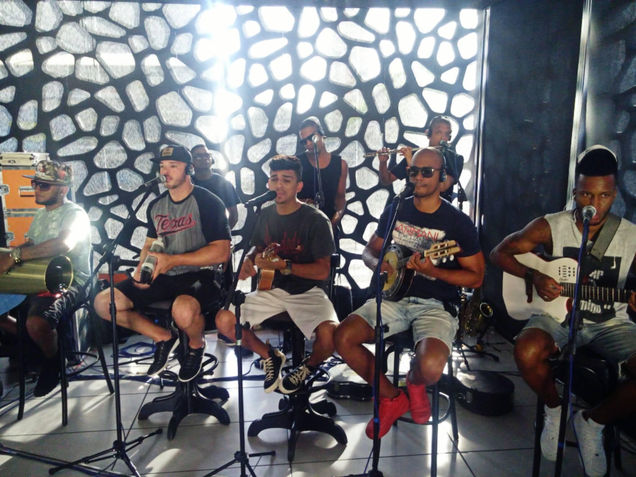 Tiroteo interrumpe el show en línea de una banda en Brasil