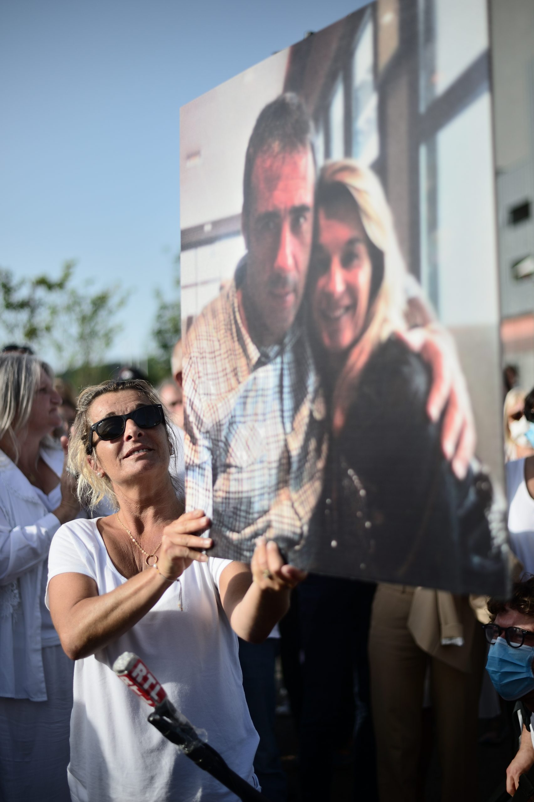 Murió el chofer de autobús agredido en Francia por exigir a pasajeros el uso de cubrebocas