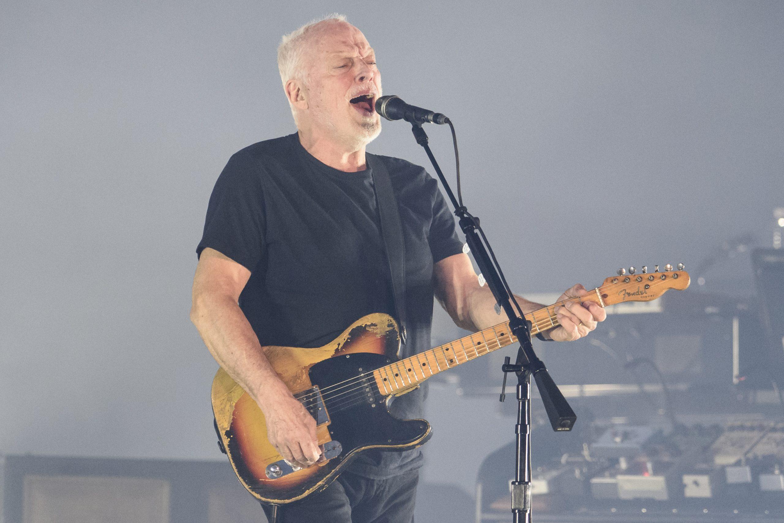 """David Gilmour está de vuelta con una rola llamada """"Yes, I Have Ghosts"""""""