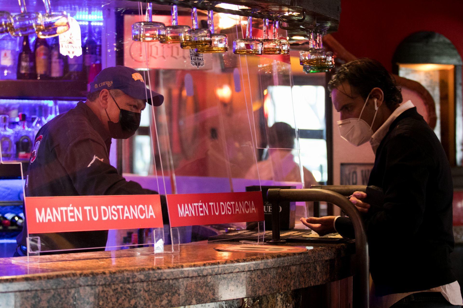 15 imágenes que muestran la 'nueva normalidad' con la reapertura de restaurantes en la CDMX
