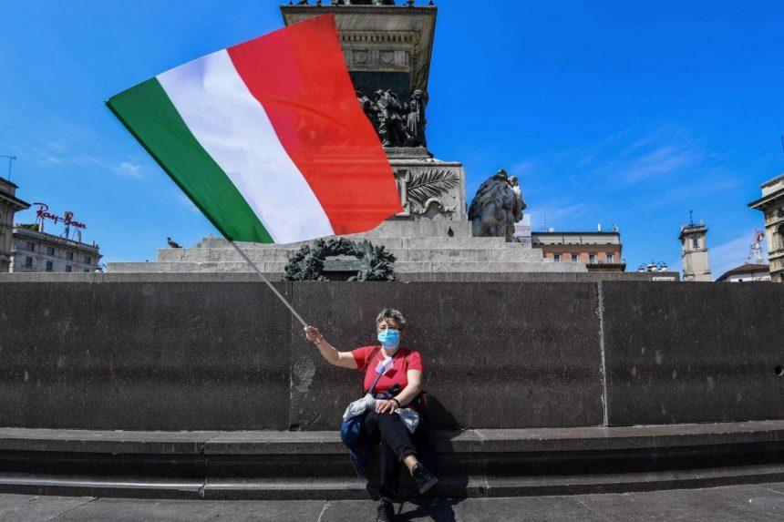 Italia cobra las primeras multas de mil euros por no usar tapabocas
