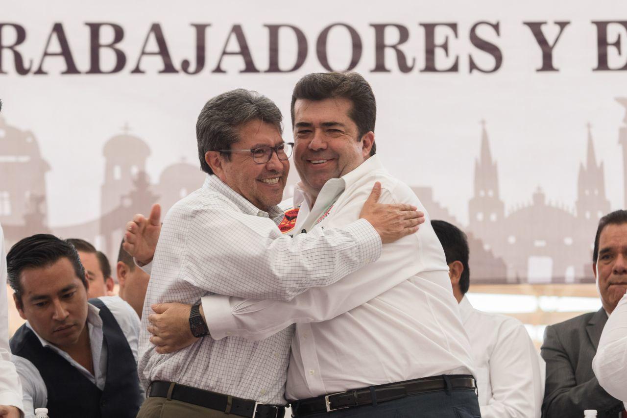 periodistas amenzados por escoltas de Pedro Haces