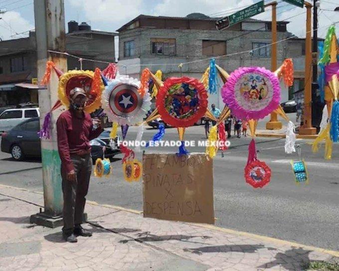 La otra pandemia: Abuelito del Estado de México intercambia piñatas por comida