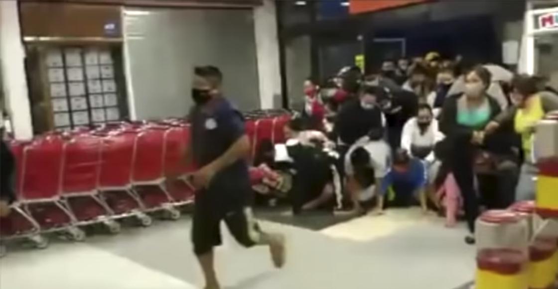 Black Friday' 2.0: Personas provocan estampida humana en un ...