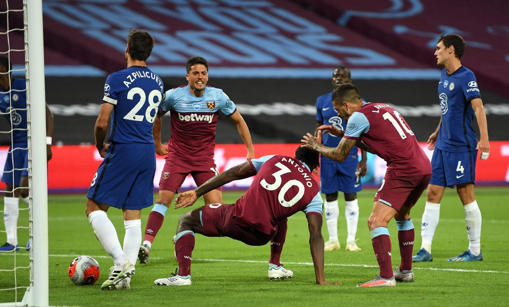 Al poste y adentro: Willian marcó un GOLAZO y rescató al Chelsea ante el West Ham