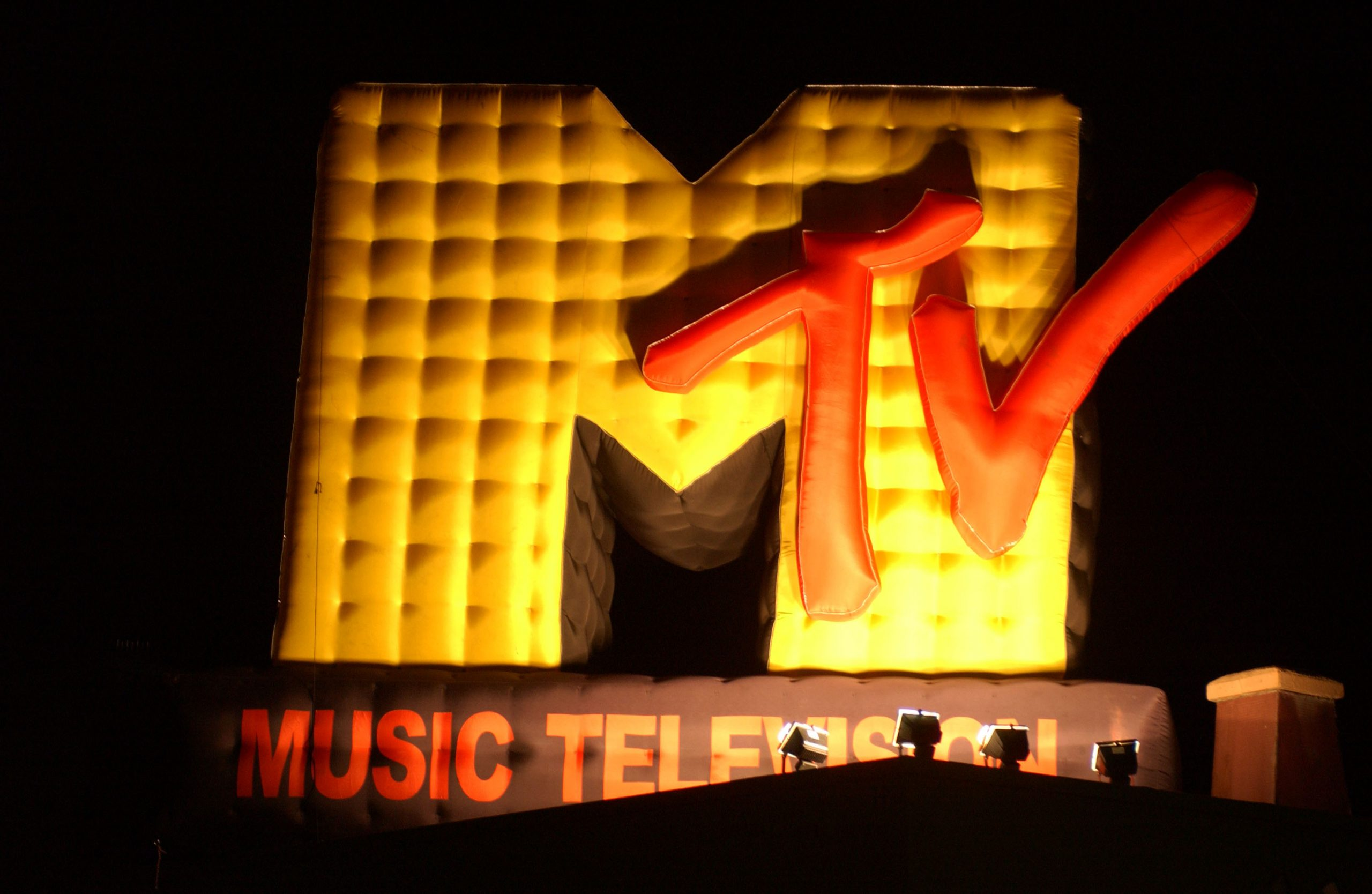 10 videos de los 2000 para recordar las buenas épocas de MTV