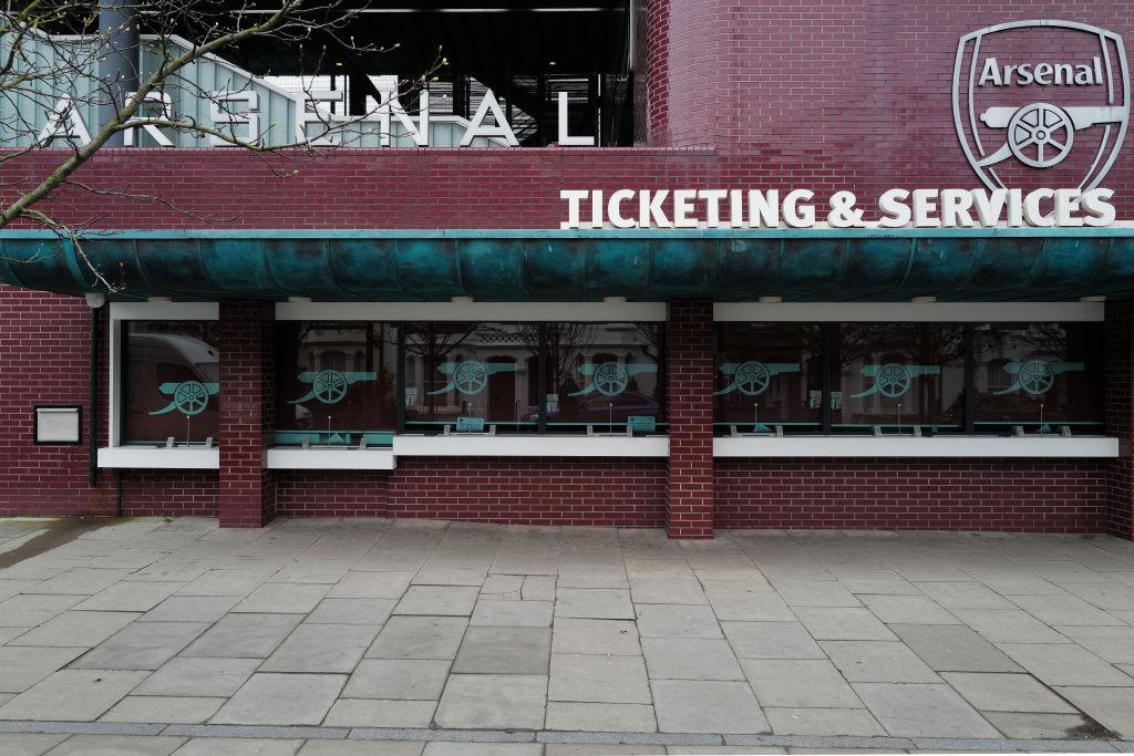 Despidos en el Arsenal exhiben la importancia de los aficionados para los trabajadores de los clubes