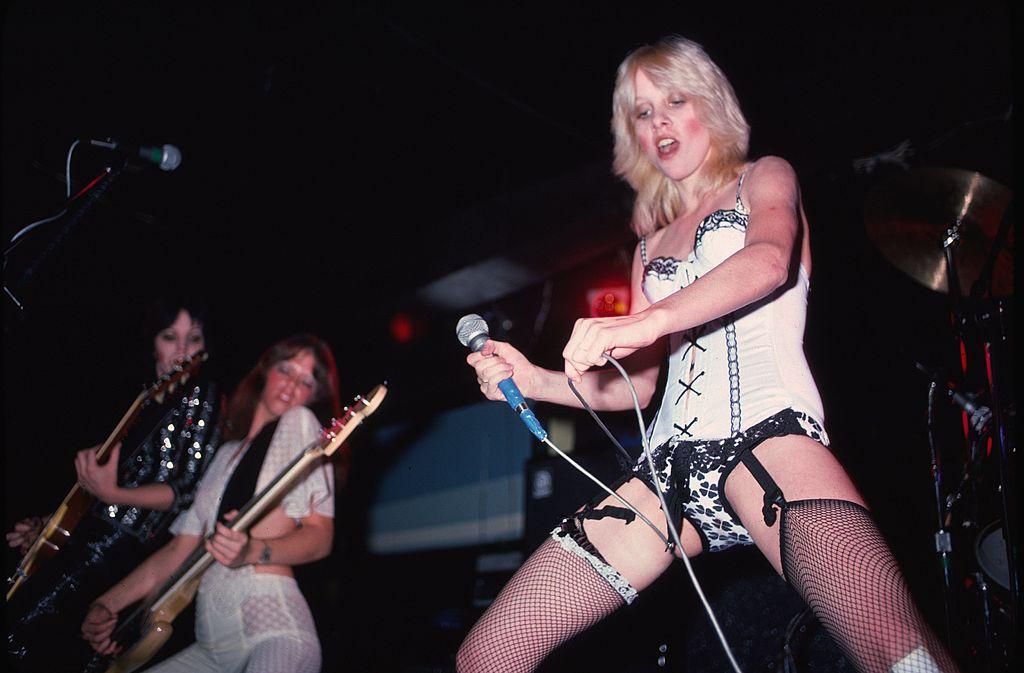 The Runaways: La primera banda de hard rock hecha por puras mujeres
