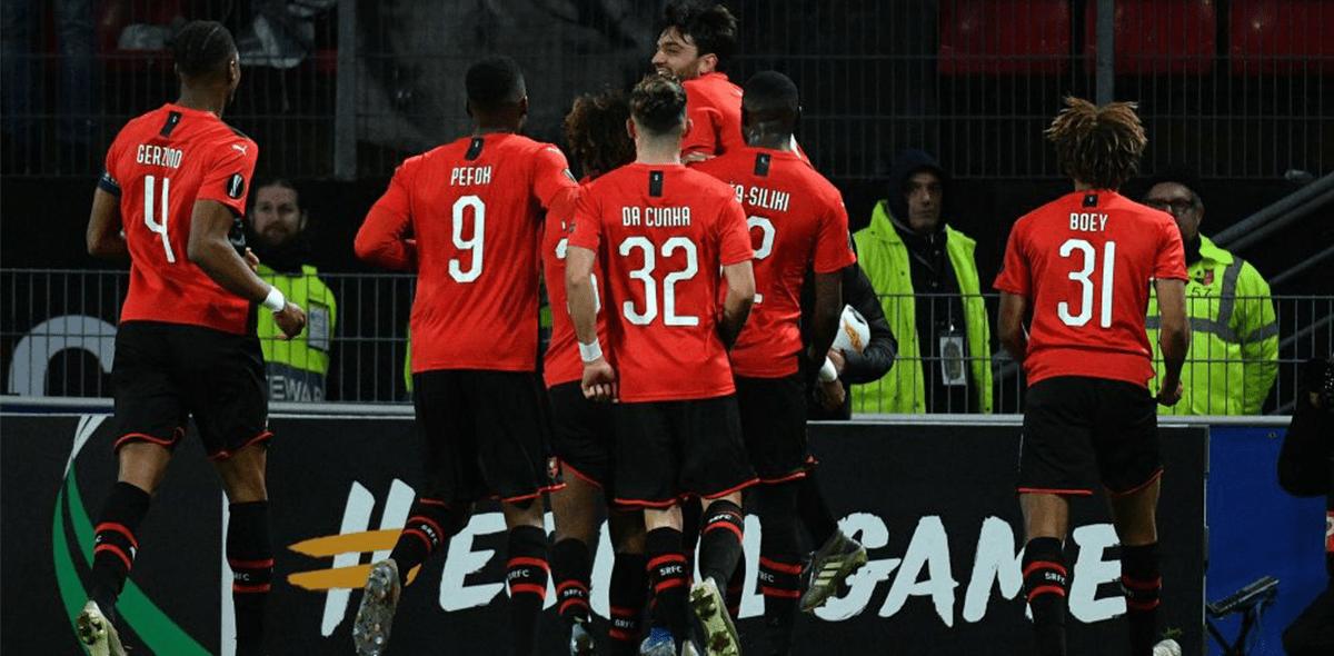 Celebración nivel: Rennes despertó a sus vecinos con himno de la Champions League en su estadio