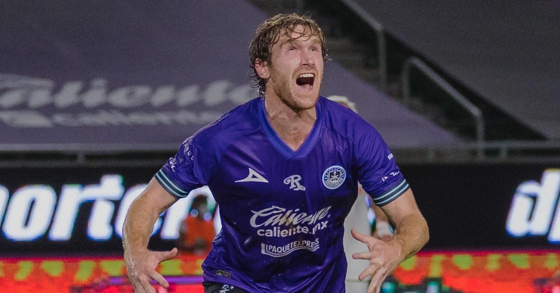 Mazatlán gana su primer partido en la Liga MX con dos goles chuscos