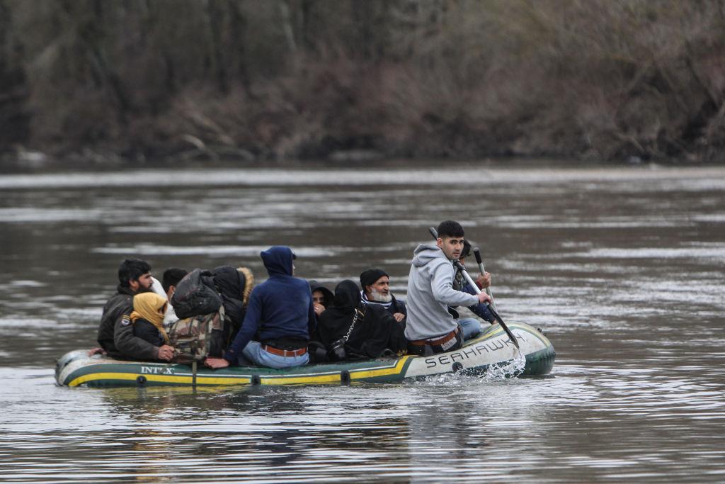 migrantes-lancha-inflable-turquía-grecia