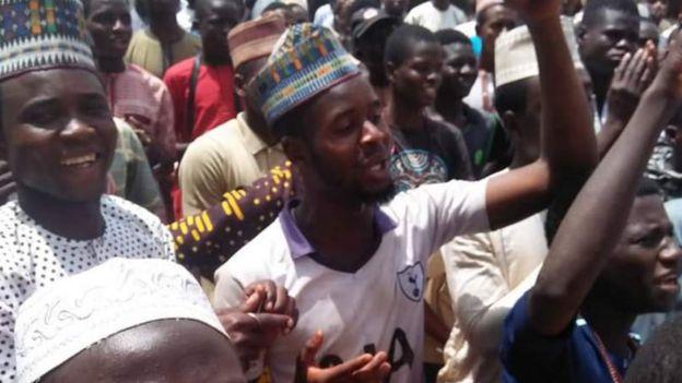 Cantante nigeriano es sentenciado a muerte por cometer blasfemia en una canción