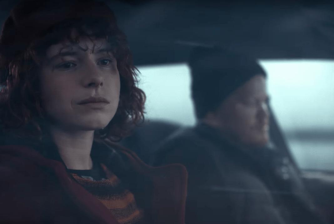Jessie Buckley y Jesse Plemons en 'Pienso en el final'.