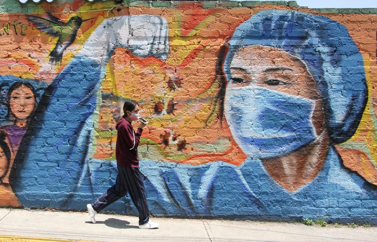 El segundo punto consiste en acordar una estrategia para la reactivación económica de México con el propósito de recuperar al menos 8 millones de todos los empleos que se han perdido en los cinco meses que llevamos lidiando con el coronavirus.