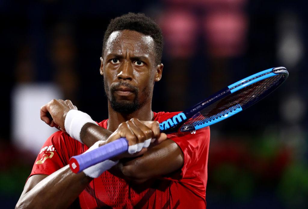 En el tenis se unió a Gael Monfils, quien tiene nacionalidad francesa, pero de origen africano, y formó la cruz con los brazos en repetidas ocasiones.