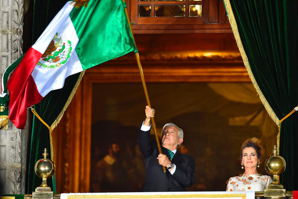 Andres Manuel López Obrador da el grito de Independencia en el Zócalo de la Ciudad de México