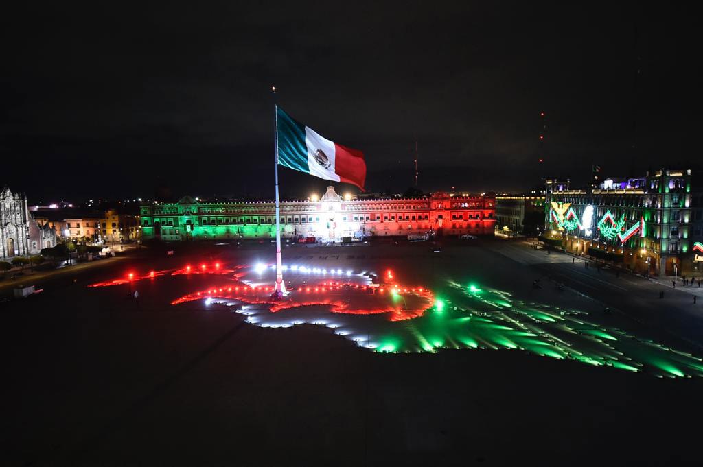 Festejos ceremonia Grito de la Independencia en el Zocalo
