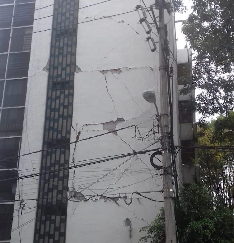 alfonso-reyes-188-cartel-inmobiliario-damnificados-unidos-19-septiembre-sismo-02