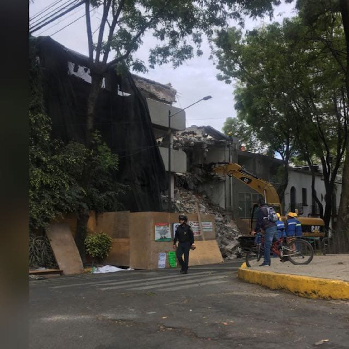 alfonso-reyes-188-cartel-inmobiliario-damnificados-unidos-19-septiembre-sismo-03