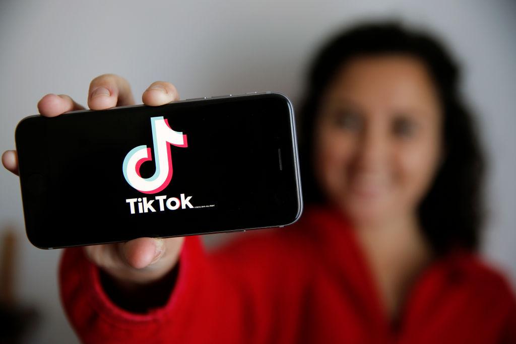 ¿Qué es el 'Benadryl Challenge'? El reto de TikTok que está alertando a médicos en EU