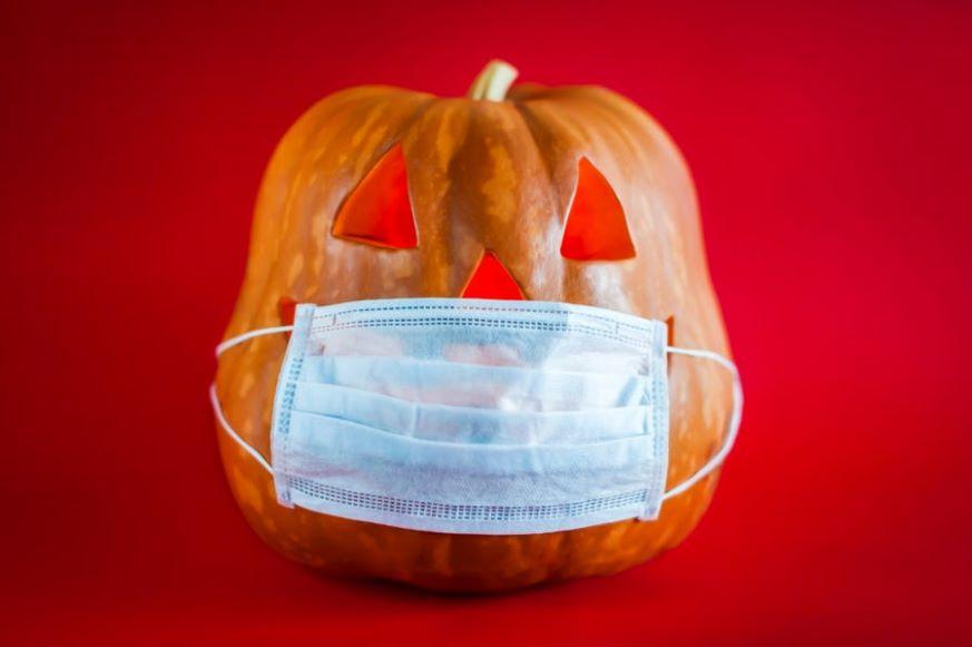 ¿Dulce o COVID-19? Consejos para celebrar Halloween de forma segura