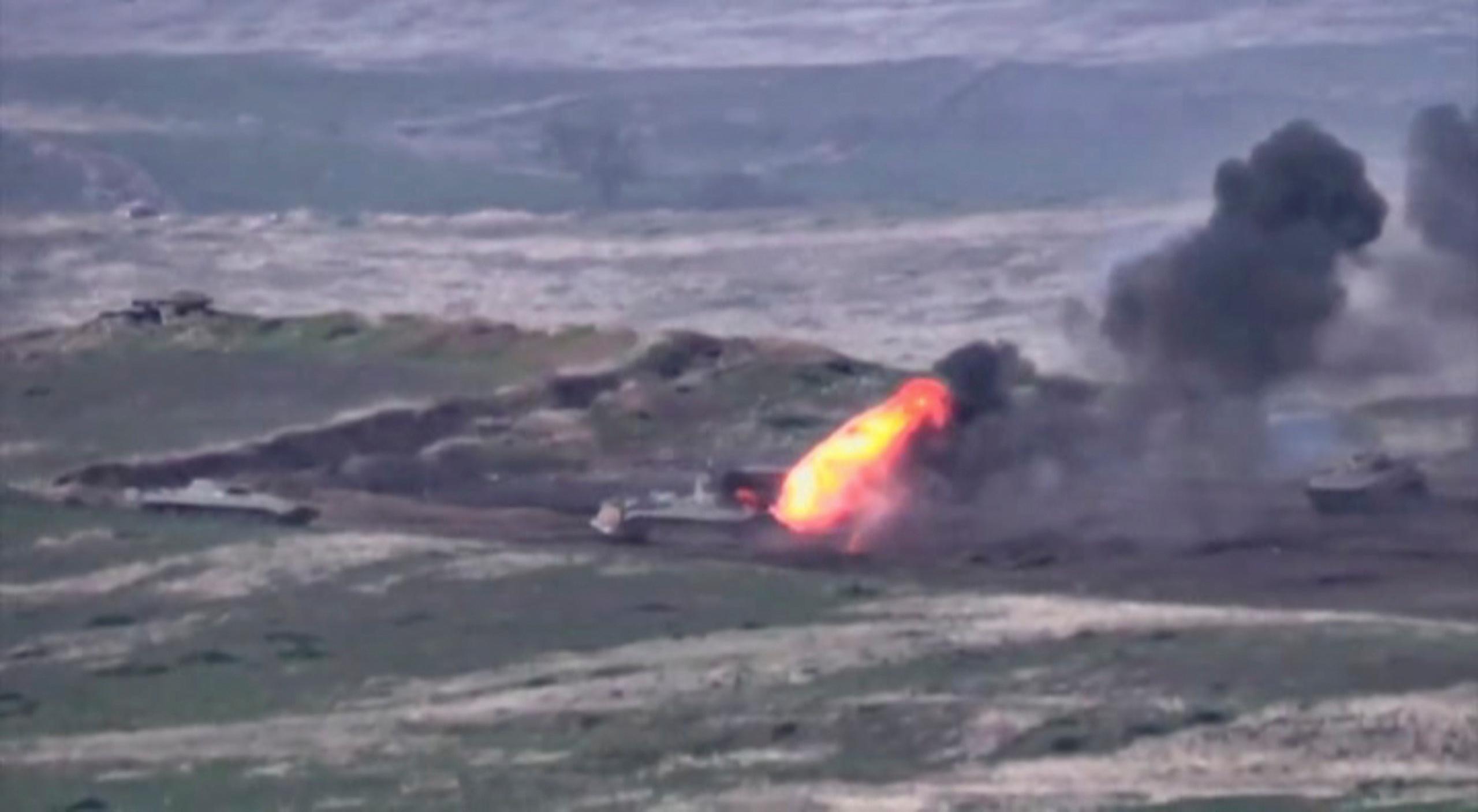 Armenia y Azerbaiyán reanudan combates por el control de Nagorno Karabaj