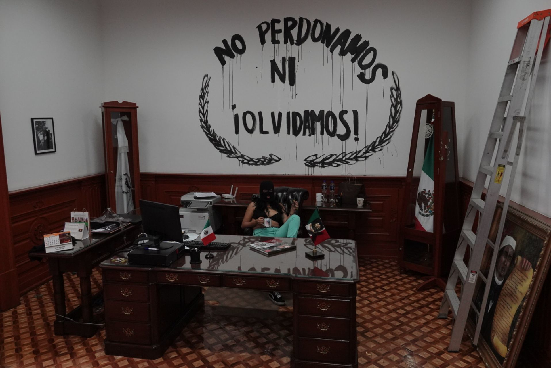 fotos-videos-imagenes-toma-feminista-cndh-oficinas-centro-cdmx-rosario-piedra-02