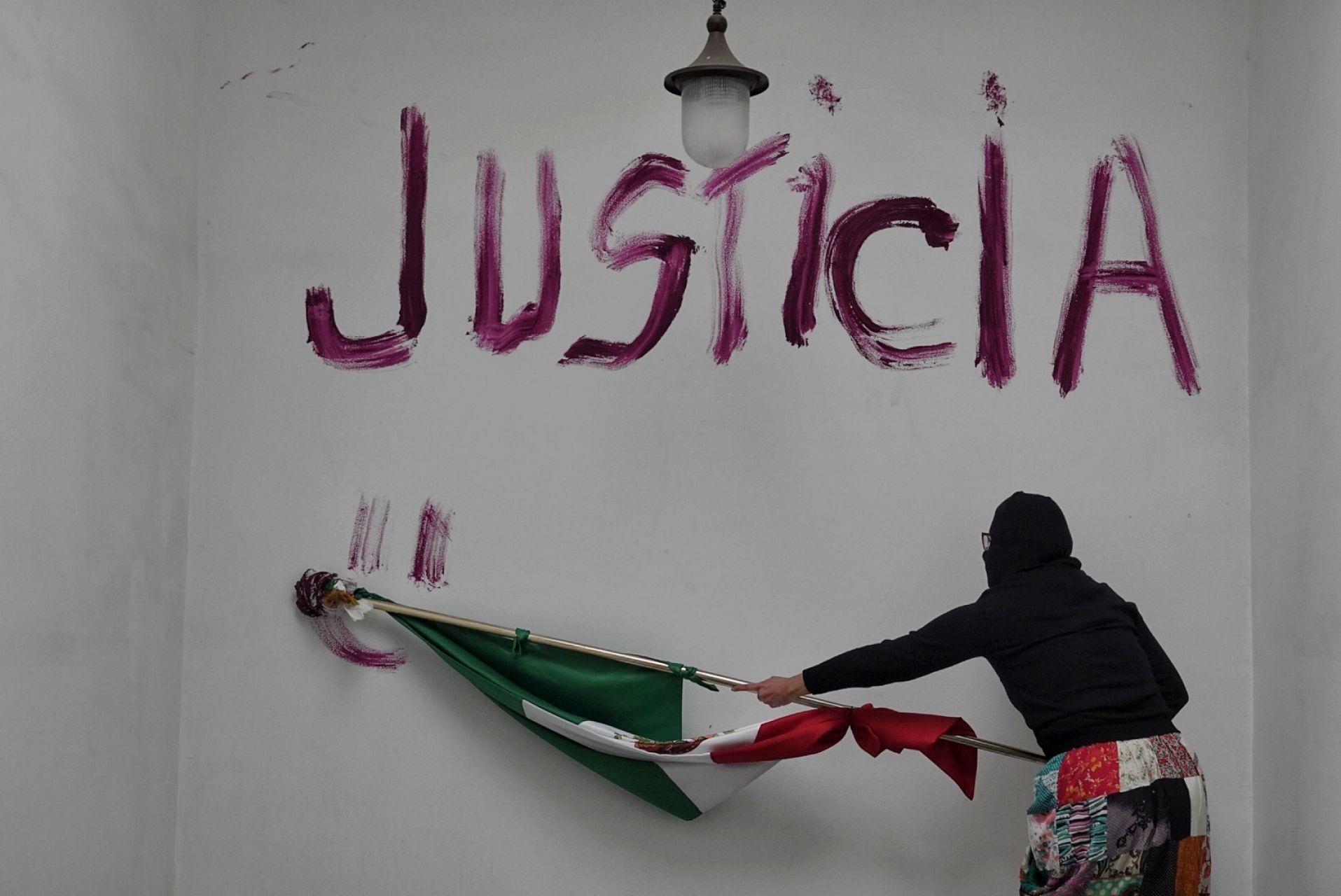 fotos-videos-imagenes-toma-feminista-cndh-oficinas-centro-cdmx-rosario-piedra-09