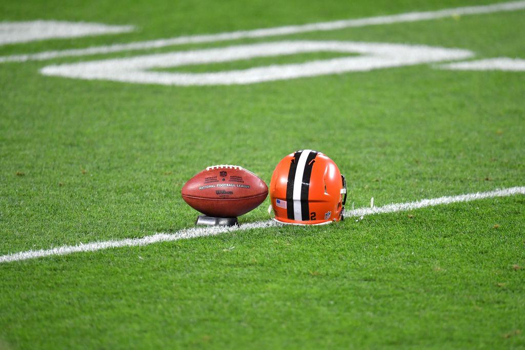 3 mujeres harán historia en la NFL en el juego entre Washington y Browns