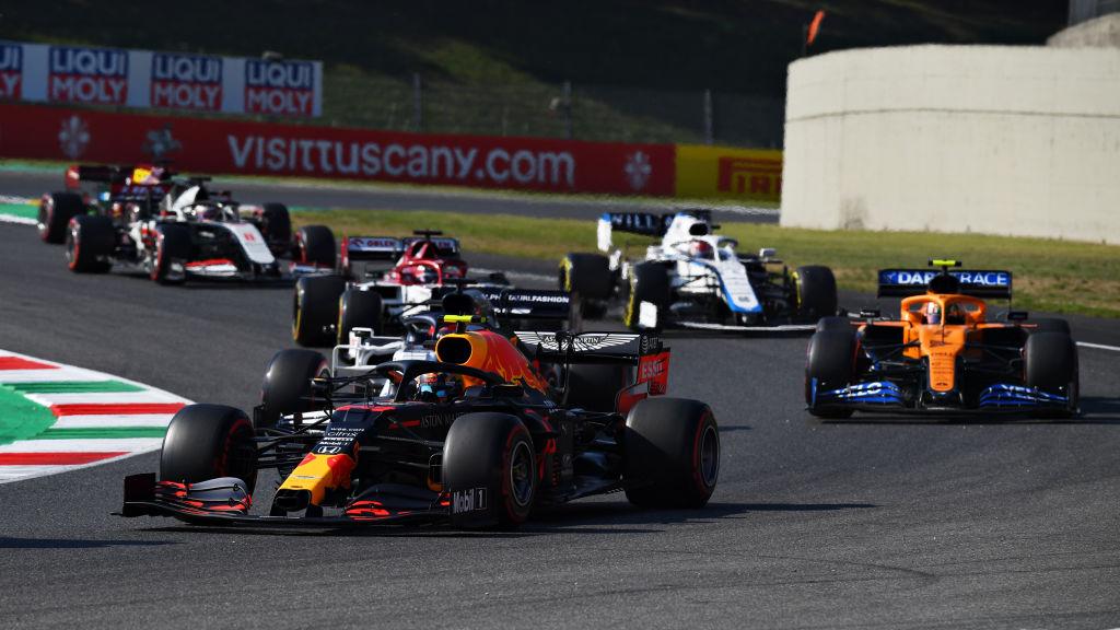 Hamilton pidiendo justicia y los monoplazas chocados: Lo que no se vio del Gran Premio de la Toscana