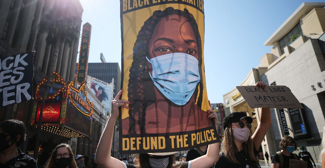 Detienen a una mujer por atropellar a manifestantes de Black Lives Matter en California
