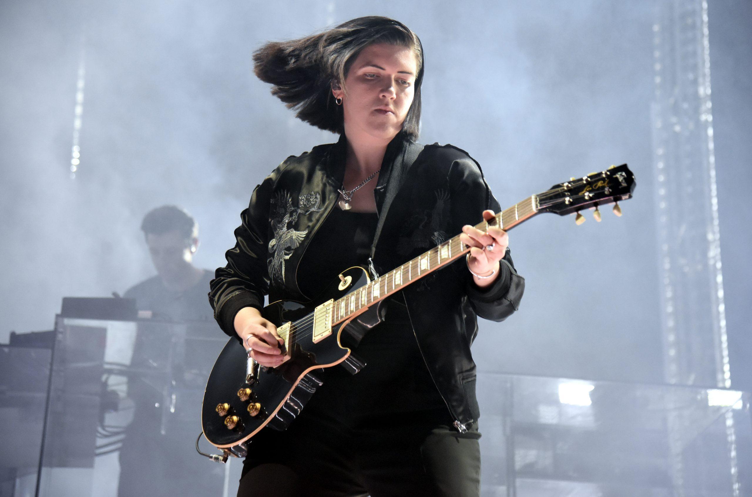"""Romy Madley Croft de The xx se estrena como solista con """"Lifetime"""""""