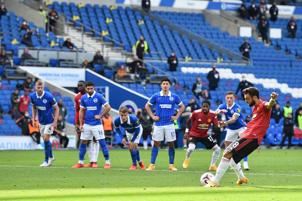 Así ganaron: Árbitro marcó penal para el Manchester United cuando ya había terminado el partido