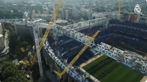 Así luce el Santiago Bernabéu con las primeras estructuras del techo retráctil