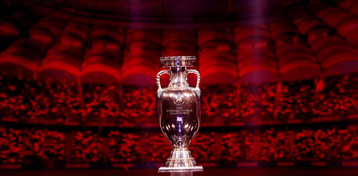 Los Mundiales y Eurocopas se jugarían cada dos años