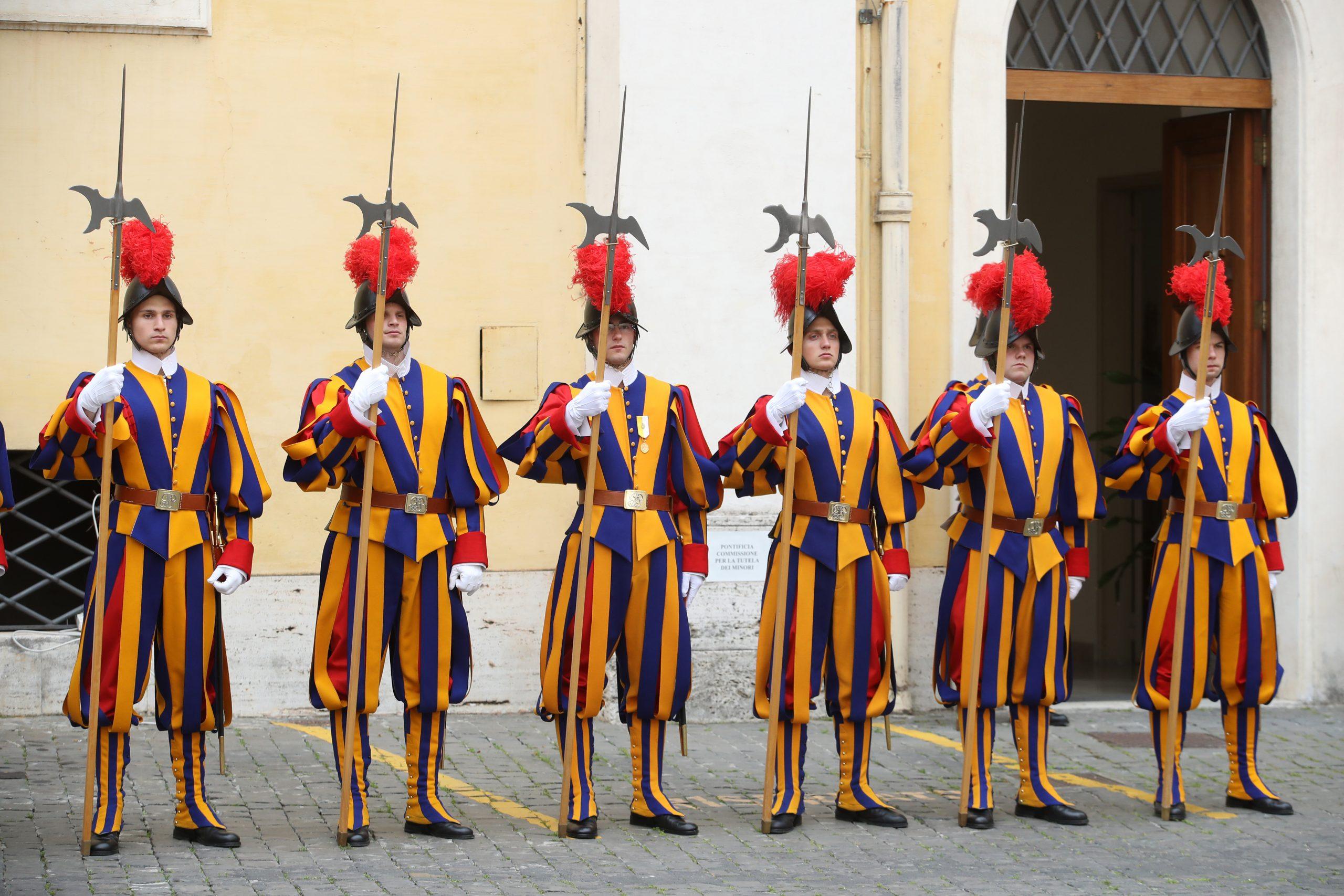 El Vaticano confirma caso de coronavirus en la residencia del Papa