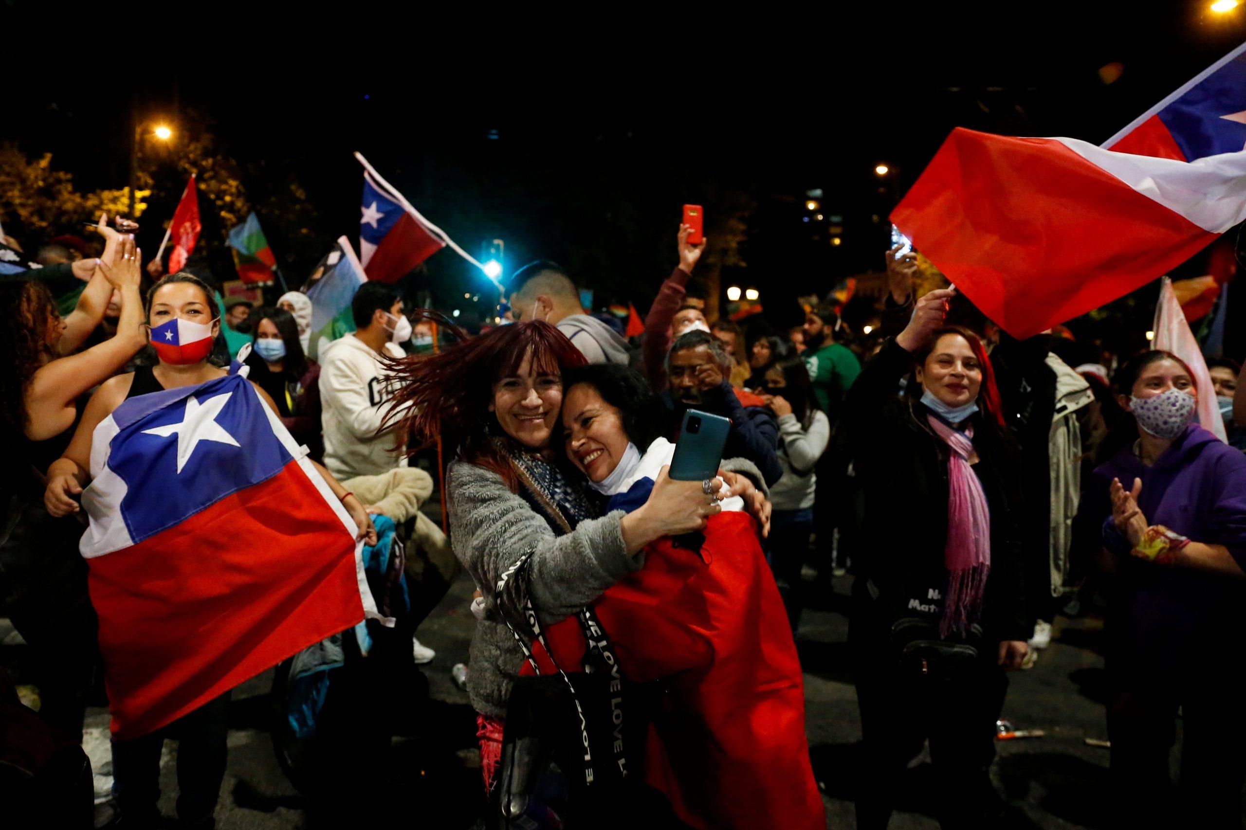 Se aprueba en Chile la redacción de una nueva Constitución tras un año de protestas