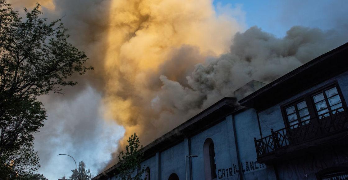chile-iglesia-fuego